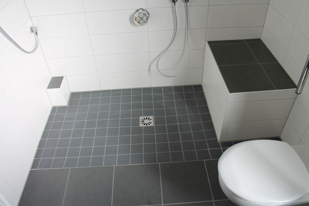 ebenerdig duschen fliesentop. Black Bedroom Furniture Sets. Home Design Ideas